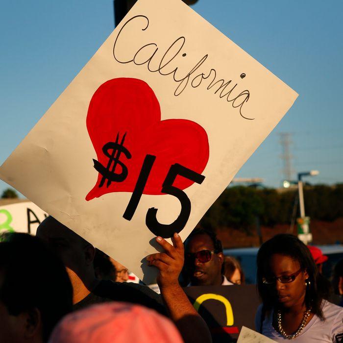 Fast-Food Strikes in 50 U.S. Cities Seeking $15 Per Hour