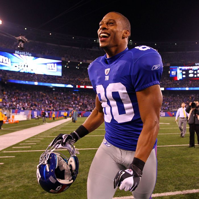 EAST RUTHERFORD, NJ - JANUARY 01: Victor Cruz #80 of the New York Giants celebrates as he runs off of the field after defeating the Dallas Cowboys at MetLife Stadium on January 1, 2012 in East Rutherford, New Jersey. (Photo by Al Bello/Getty Images)