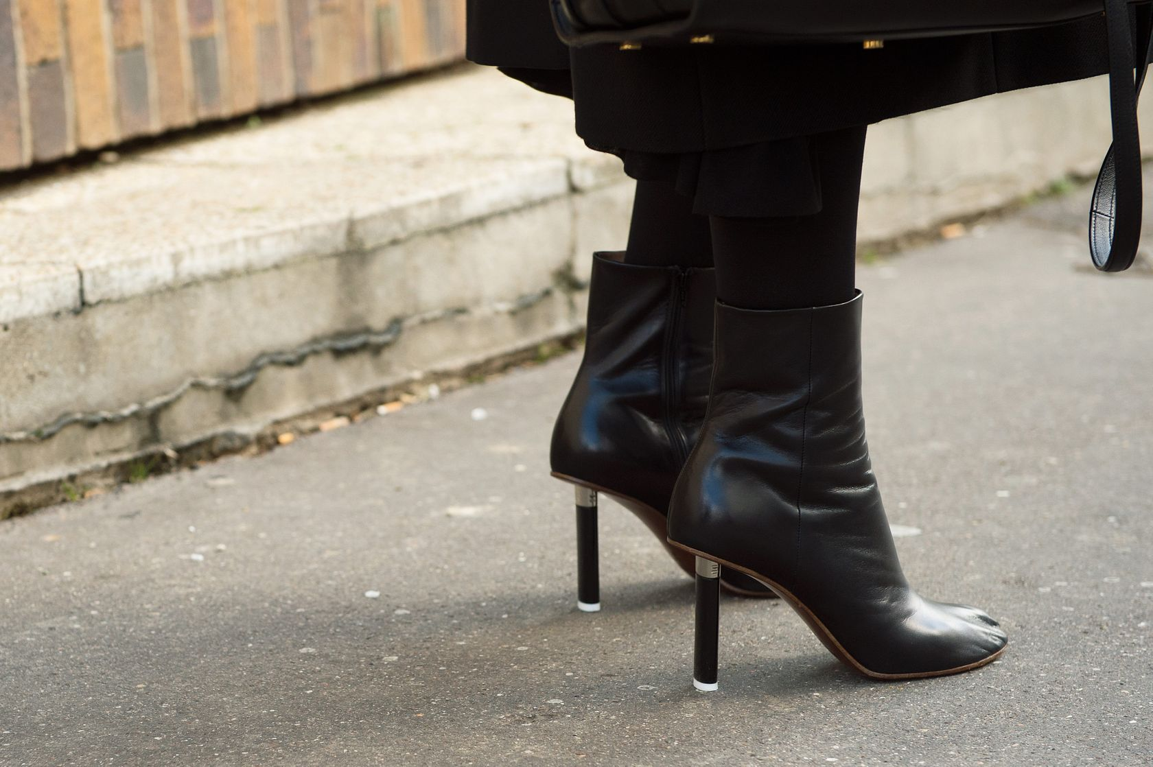The Best and Worst Shoes for Knee Osteoarthritis