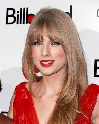 Taylor Swift's new haircut.