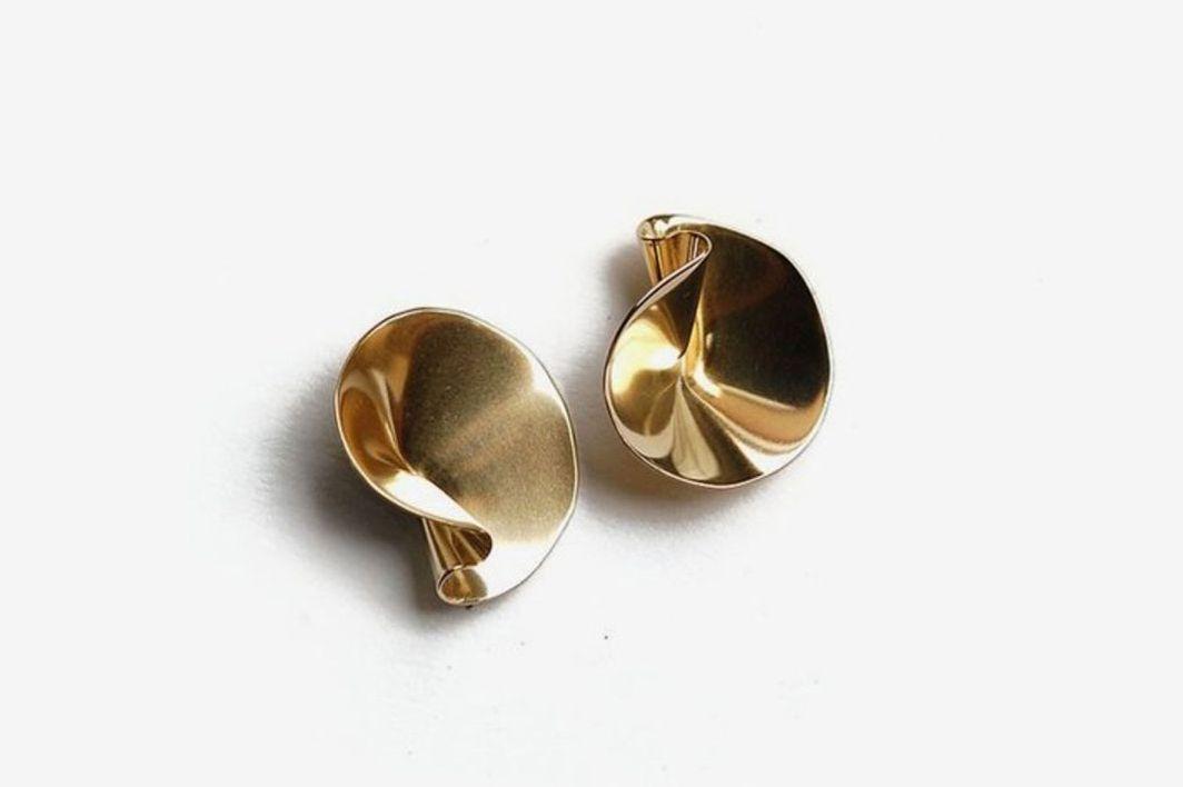 Tiro Tiro Selo Earrings, Brass