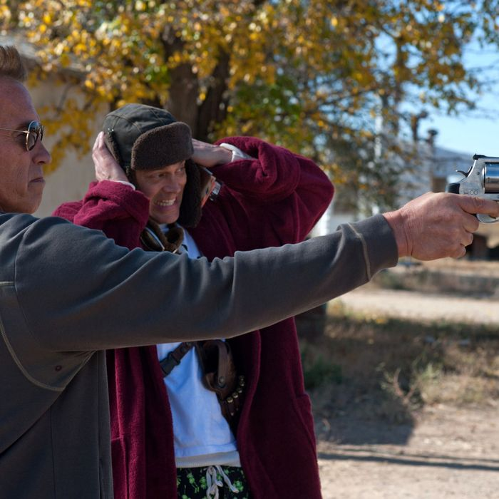 Ray Owens (Arnold Schwarzenegger, left) and Lewis Dinkum (Johnny Knoxville, right) in THE LAST STAND.