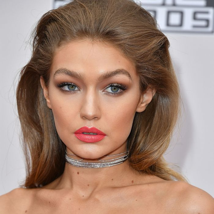 Gigi Hadid's Hair Color Is Always Changing: An ...
