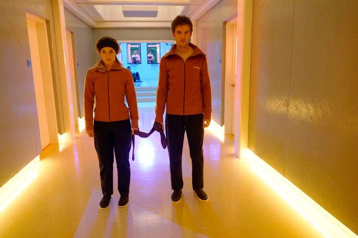 Legion Review: FX Show Is an Aesthetic Dream