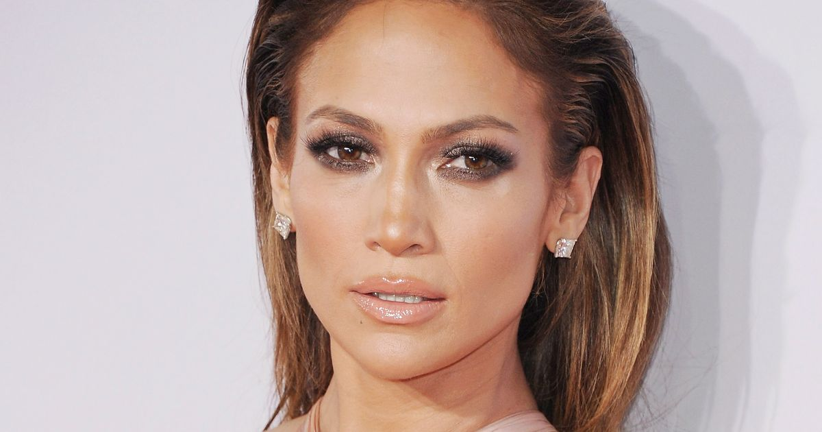 4 Luminizers to Give You the J.Lo Glow -- The Cut