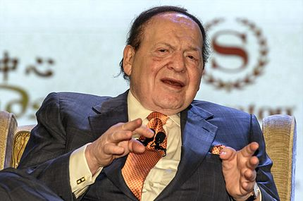 Las Vegas casino boss Sheldon Adelson gestures during press conference in Macau on September 20, 2012.  Adelson unveiled plans to build a scaled down replica of the Eiffel Tower as part of a new 3 billion USD gambling resort in Macau.   AFP PHOTO / Philippe Lopez        (Photo credit should read PHILIPPE LOPEZ/AFP/GettyImages)