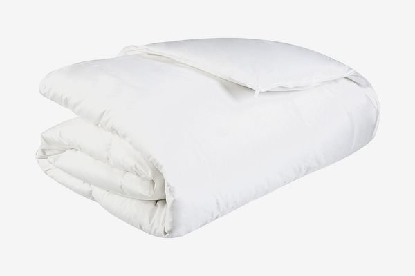 Pinzon Lightweight Shed-Resistant White Down Comforter — Full/Queen