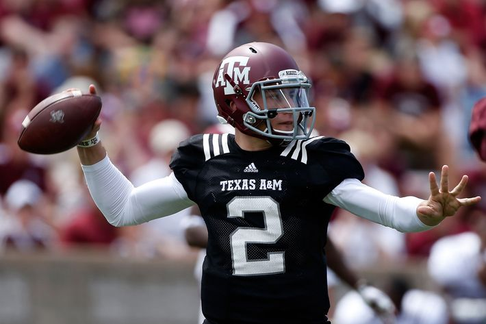 Texas A&M Aggies quarterback Johnny Manziel #2 looks to pass during the Maroon & White spring football game at Kyle Field on April 13, 2013 in College Station, Texas.
