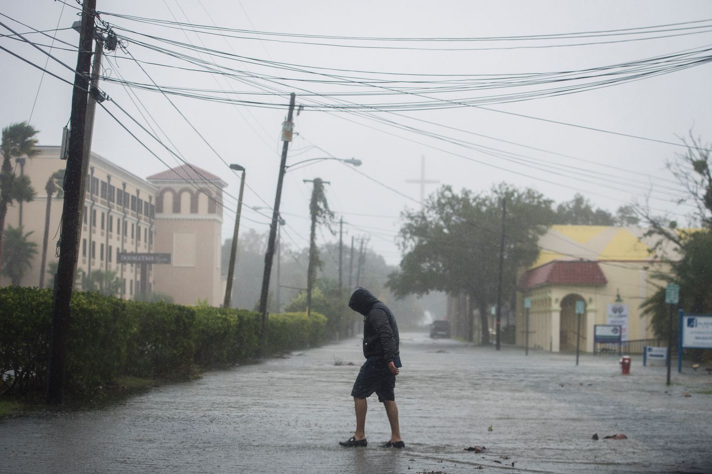 Matthew's winds waning but flooding to continue
