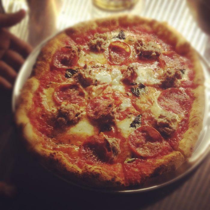 https://pyxis.nymag.com/v1/imgs/59c/47d/fa5e00a9d2d17bfb581f4b8ee6069bb1cc-11-speedyromeo-pizza.jpg
