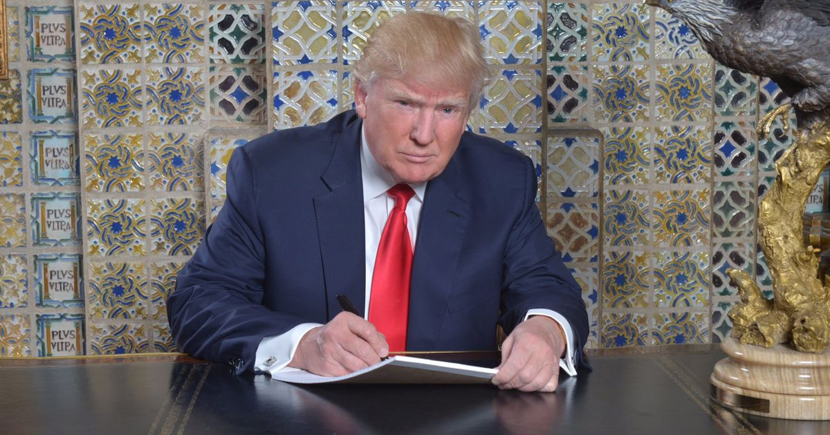 nymag.com - Madison Malone Kircher - Is Trump Writing His Inaugural Address From a Mar-a-Lago Receptionist's Desk?