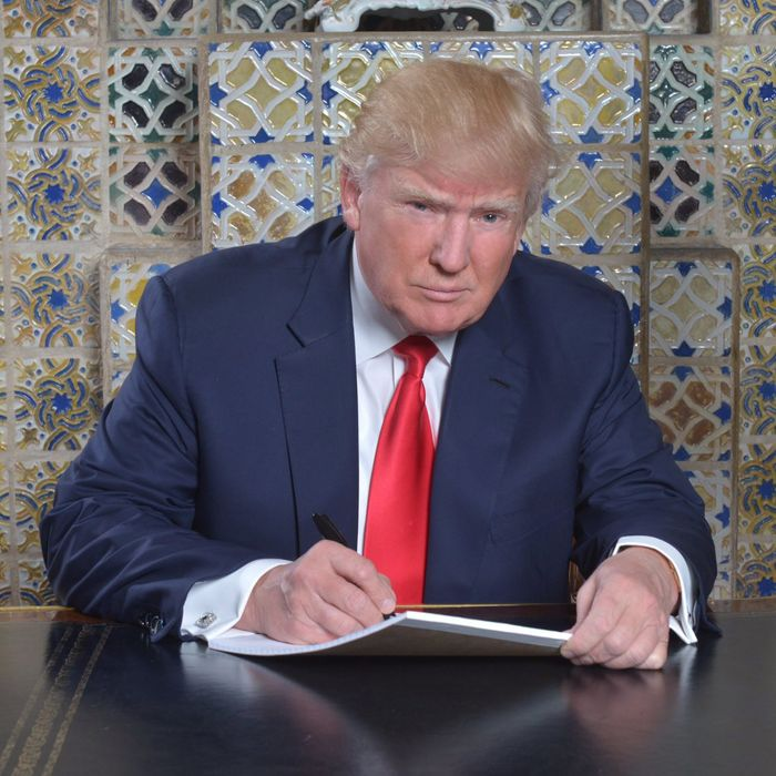 Donald Trump Doesnt Have Clue About My >> Fine Trump Doesn T Have Dementia He S Just A Moron