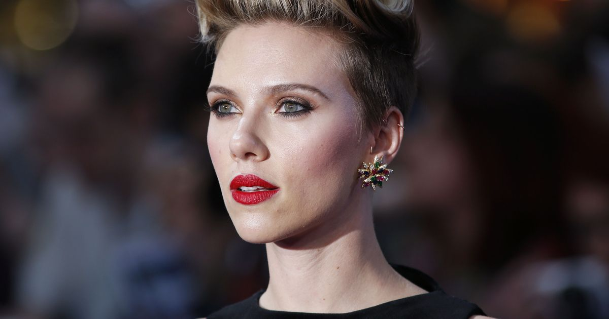 Scarlett Johansson Twitter: Scarlett Johansson Says There Are Way More Important