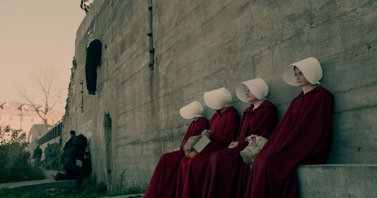 hope in the handmaids tale A baby is born and hope is dead in 'the handmaid's tale' the handmaids are in the next room she isn't alone in this moment, she can afford to fight.