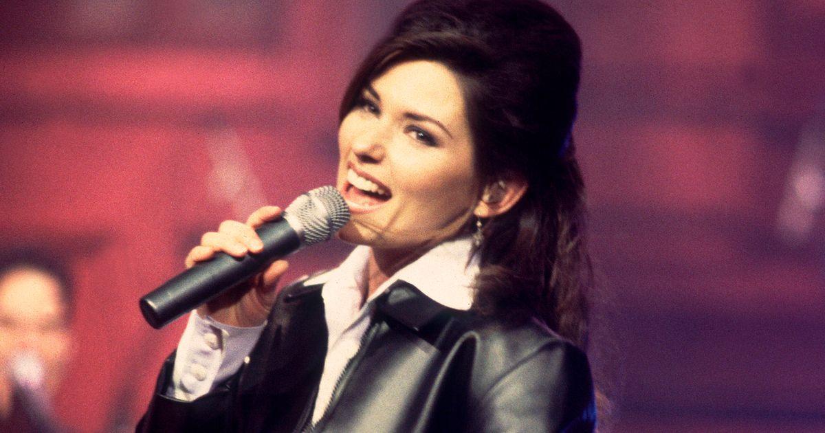 The 8 Best Shania Twain Songs to Sing at Karaoke