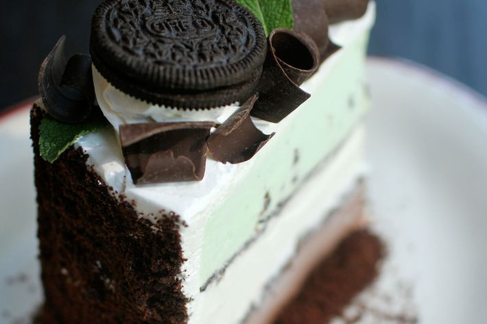 Mint chocolate chip, marshmallow, chocolate. And an Oreo garnish, of course.