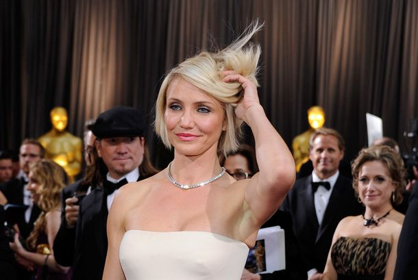 HOLLYWOOD, CA - FEBRUARY 26:  Actress Cameron Diaz arrives at the 84th Annual Academy Awards at the Hollywood & Highland Center February 26, 2012 in Hollywood, California.  (Photo by Ethan Miller/Getty Images)