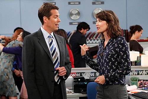 """""""The Stinson Missile Crisis""""-- Robin (Cobie Smulders) begins court mandated therapy sessions after assaulting a girl, on HOW I MET YOUR MOTHER, Monday, Oct. 3 (8:00-8:300 PM, ET/PT) on the CBS Television Network. Alexis Denisof guest stars as Sandy Rivers, Robin?s boss.          Photo: CLIFF LIPSON/CBS         ©2011 CBS BROADCASTING INC. All Rights Reserved."""