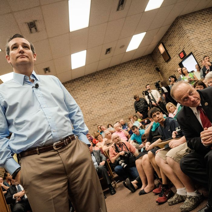 SIOUX CITY, IOWA - APRIL 1: Iowa Congressman Steve King and Senator Ted Cruz (R-TX) listen to voters during a town hall meeting at the Lincoln Center on the campus of Morningside College April 1, 2015 in Sioux City, Iowa. (Photo by Eric Francis/Getty Images)