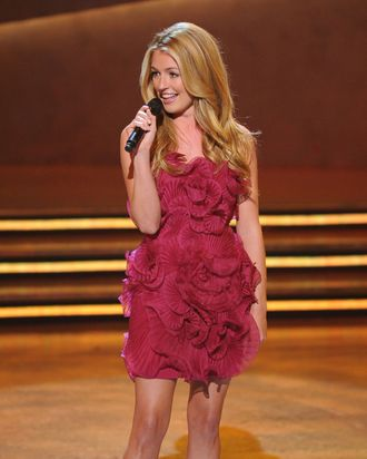 SO YOU THINK YOU CAN DANCE: Cat Deeley hosts SO YOU THINK YOU CAN DANCE Thursday, June 12 (9:00-10:00 PM ET/live PT/tape-delayed) on FOX. ©2008 Fox Broadcasting Co.