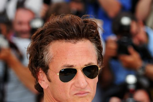 CANNES, FRANCE - MAY 14:  Jury President and Actor/Director Sean Penn poses for the Jury Photocall during the 61st International Cannes Film Festival on May 14, 2008 in Cannes, France.  (Photo by Pascal Le Segretain/Getty Images)