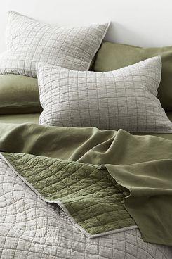 Crate & Barrel Belgian Flax Linen Quilt (Moss, Full/Queen)