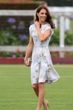 SANTA BARBARA, CA - JULY 09:  Catherine, Duchess of Cambridge arrives at the Foundation Polo Challenge held at the Santa Barbara Polo and Racquet Club on July 9, 2011 in Santa Barbara, California. (Photo by Chris Jackson/Getty Images)