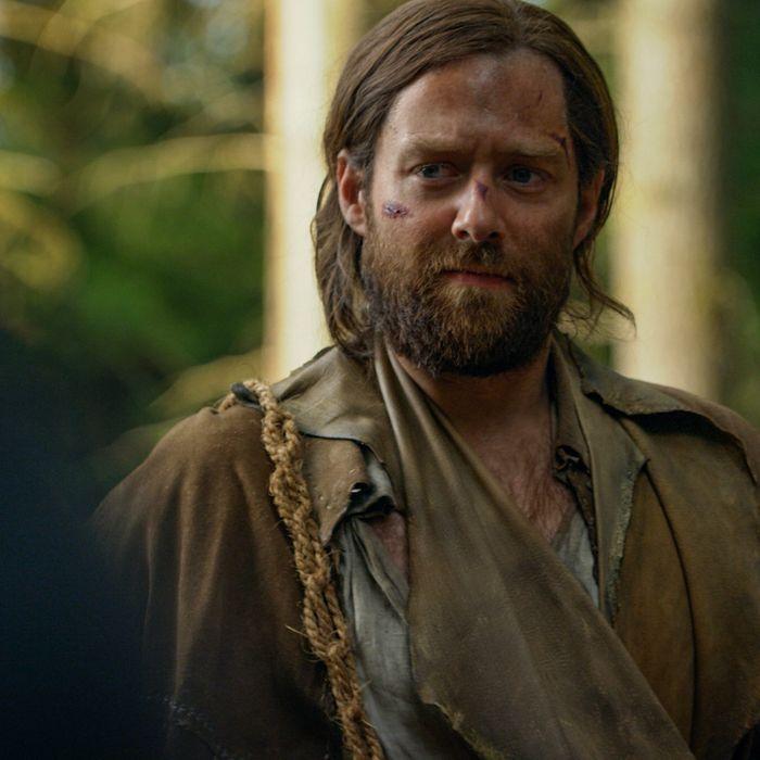Richard Rankin as Roger in Outlander.