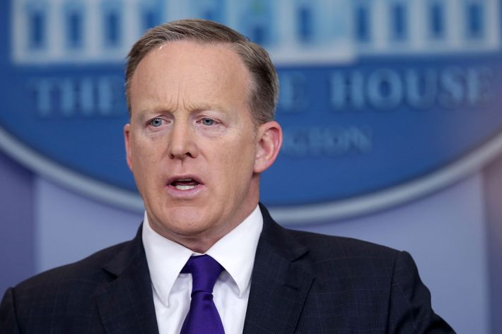11 sean spicer.w710.h473 sean spicer calls concentration camps 'holocaust centers'