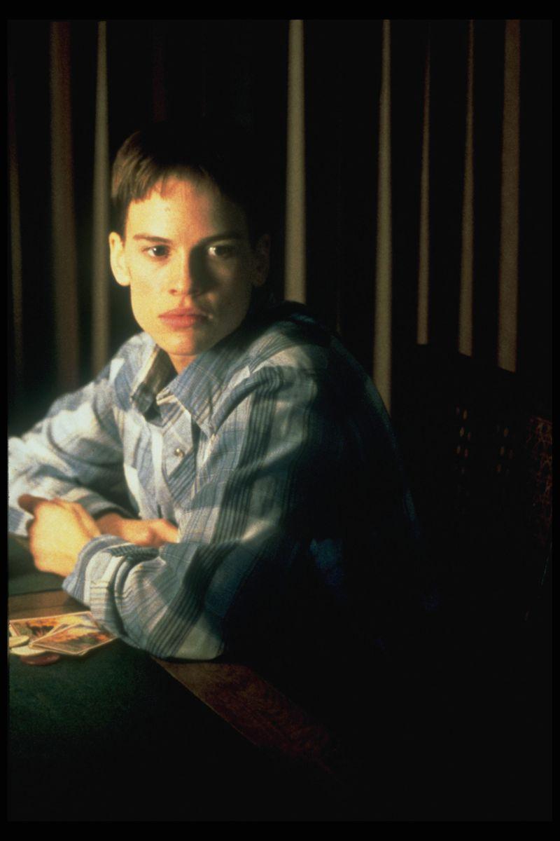 brandon teena Brandon teena na verdade é teena brandon nascida dia 12 de dezembro de 1972 em lincoln, nebraska, teena ficou conhecida por sua chocante história.