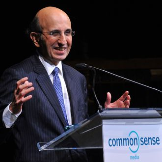 NEW YORK, NY - APRIL 28: New York City Schools Chancellor Joel Klein accepts award at the 7th Annual Common Sense Media Awards honoring Bill Clinton at Gotham Hall on April 28, 2011 in New York City. (Photo by Stephen Lovekin/Getty Images for Common Sense Media) *** Local Caption *** Joel Klein;
