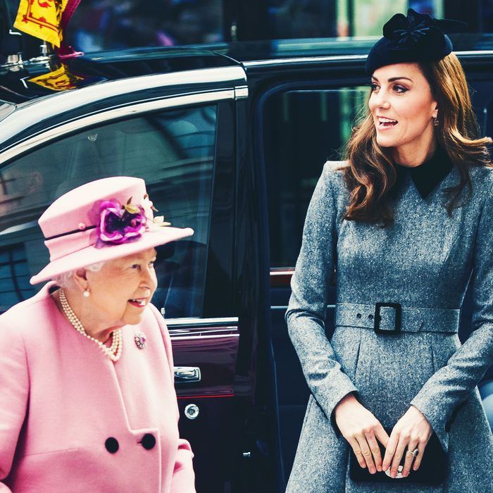 e8d509ed5a1c2 Kate Middleton and Queen Elizabeth Step Out in Very British Outfits