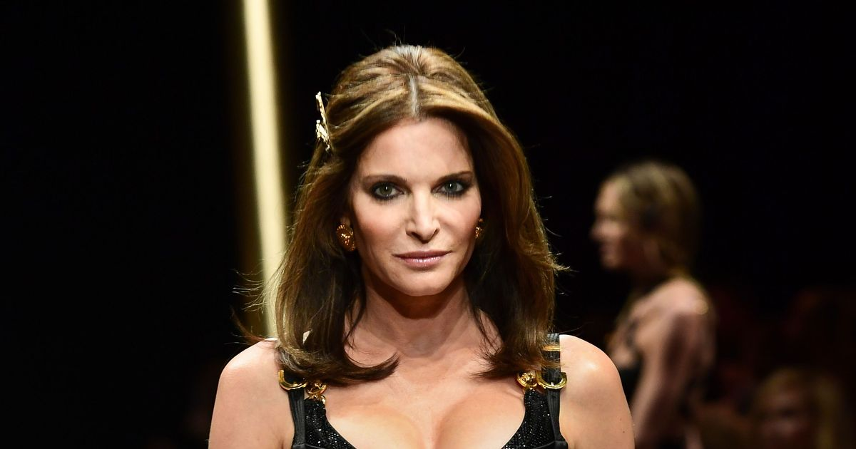 Stephanie Seymour Just Came Out of Retirement for Versace