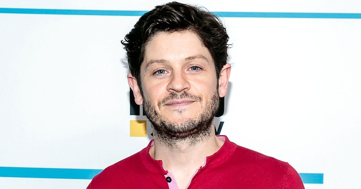 Ramsay Bolton From Game of Thrones Is Now a Cheery Leprechaun on American Gods