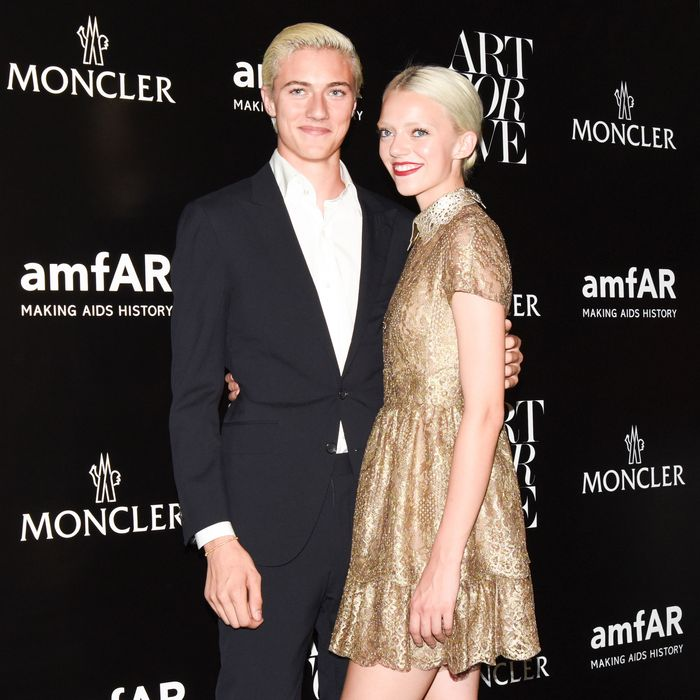 Lucky Blue and Pyper America Smith, cool teens.