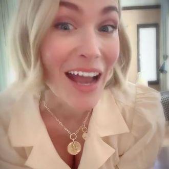 January Jones is Tap-dancing on Instagram: VIDEO January Jones Instagram
