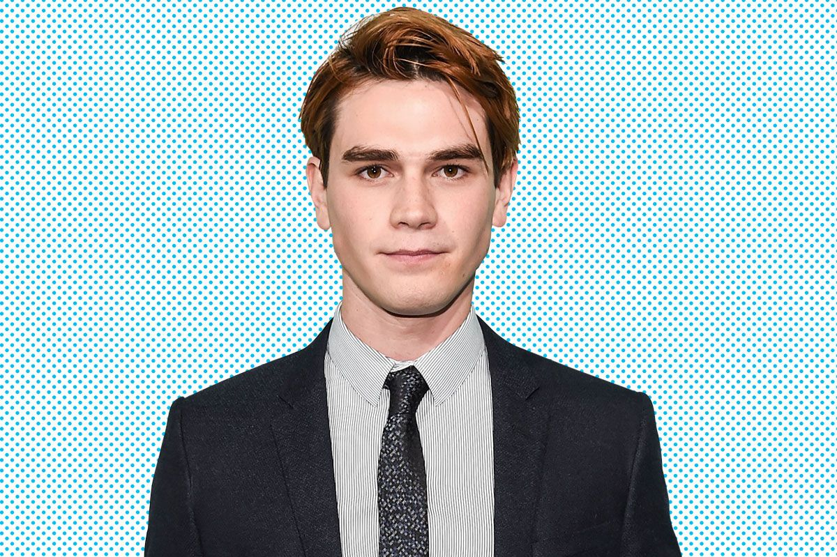 Riverdales Kj Apa On His Dye Job His Abs And Archie