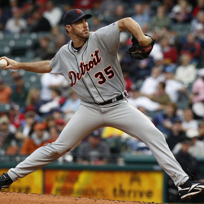 CLEVELAND, OH - SEPTEMBER 7: Justin Verlander #35 of the Detroit Tigers pitches against the Cleveland Indians during the fourth inning of their game on September 7, 2011 at Progressive Field in Cleveland, Ohio. The Tigers defeated the Indians 8-6. (Photo by David Maxwell/Getty Images)
