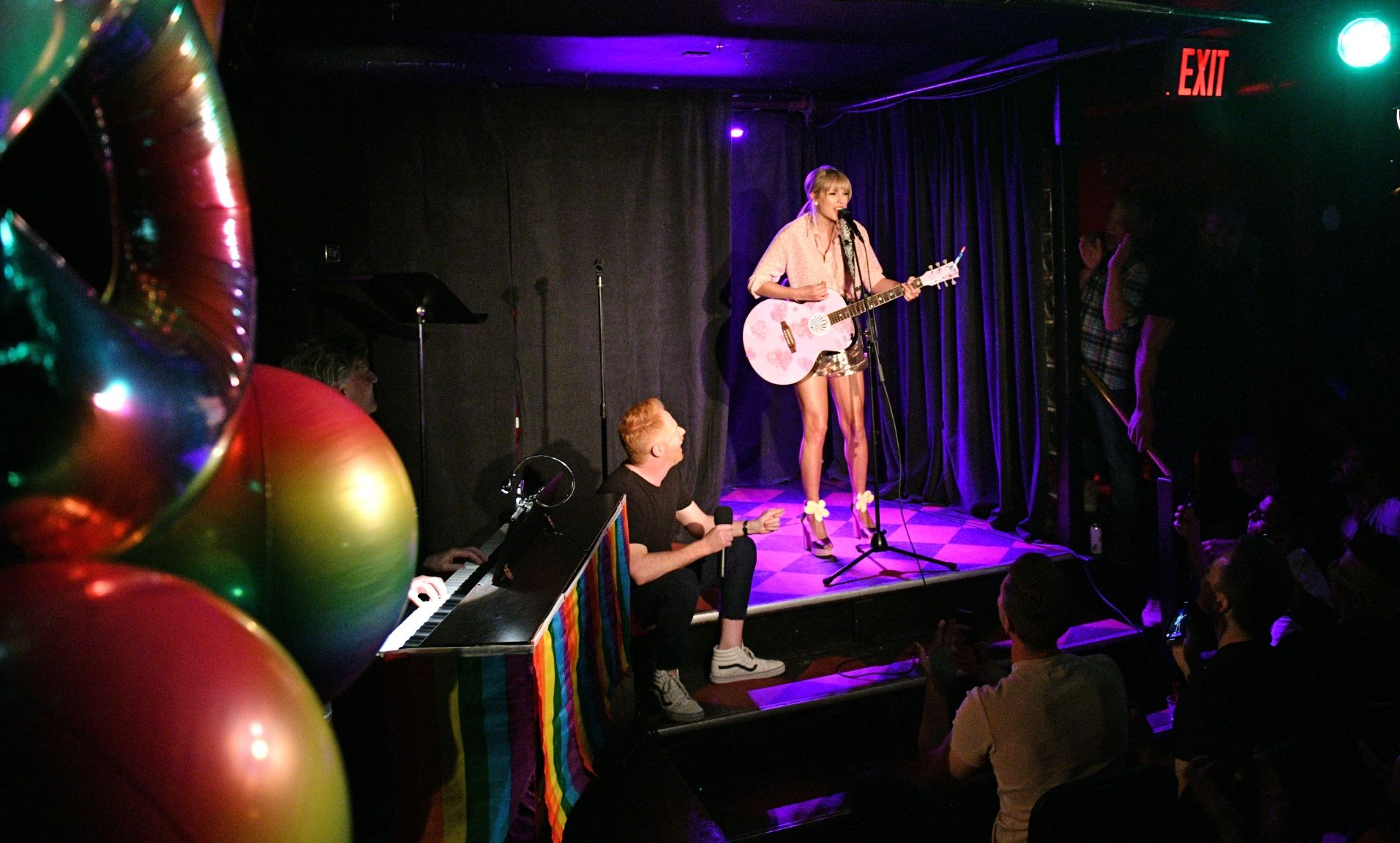 Taylor Swift Stops By New York's Stonewall Inn for a Surprise Pride Month Performance