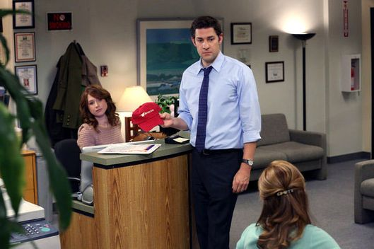 "THE OFFICE -- ""The Target"" Episode 909 -- Pictured: (l-r) Ellie Kemper as Erin Hannon, John Krasinski as Jim Halpert"