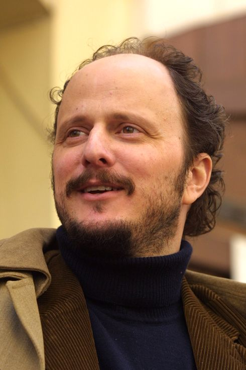 "PRAGUE, CZECH REPUBLIC - APRIL 8:  American writer Jeffrey Eugenides walks April 8, 2003 in Prague, Czech Republic. Euginedes won the Pulitzer Prize April 7, 2003 for fiction for his novel ""Middlesex."" He is in Prague for the Prague Writer's Festival.  (Photo by Sean Gallup/Getty Images)"