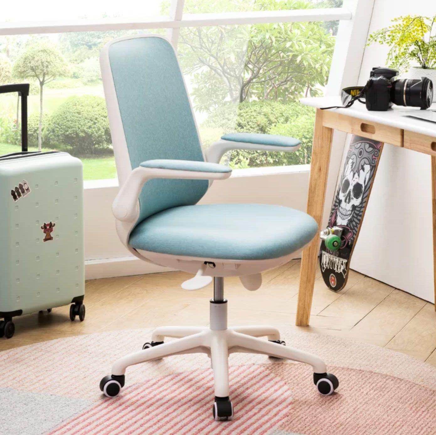 The Best Kids Desk Chairs 7 Ergonomic Chairs 2021 The Strategist New York Magazine