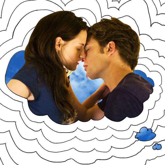 Bella and Edward kissing.
