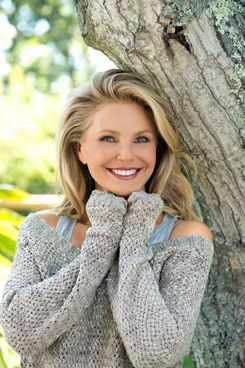 Clearly, Christie Brinkley doesn't feel the polar vortex.