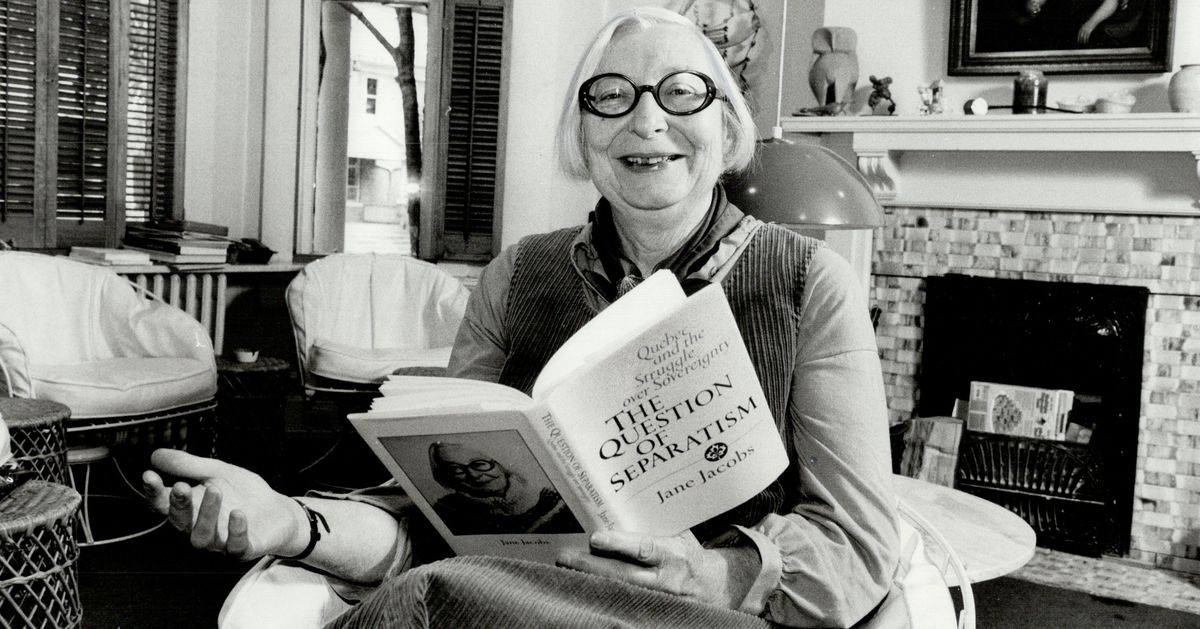 jane jacobs Jane jacobs oc oont (née butzner may 4, 1916 - april 25, 2006) was an american-canadian journalist, author, and activist who influenced urban studies, sociology, and economics.