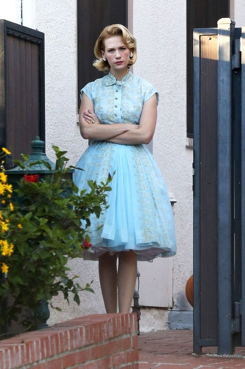 "Los Feliz, CA - Actress January Jones looks cute in a blue dress and bright red lipstick as she watchers her son Xander trick or treat with his nanny around her neighborhood.  January almost looked like she put on one of her wardrobe dresses from her hit show ""Mad Men"" and topped off her outfit with red lipstick, much like her character Betty Draper.AKM-GSI          October 31, 2013To License These Photos, Please Contact :Steve Ginsburg(310) 505-8447(323) 423-9397steve@akmgsi.comsales@akmgsi.comorMaria Buda(917) 242-1505mbuda@akmgsi.comginsburgspalyinc@gmail.com"