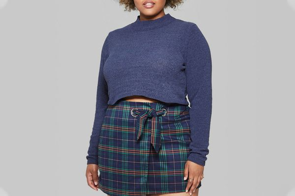 Weomen's Plus Size Cropped Mock Neck Pullover