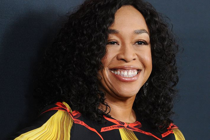 why shonda rhimes left network tv for netflix. Black Bedroom Furniture Sets. Home Design Ideas