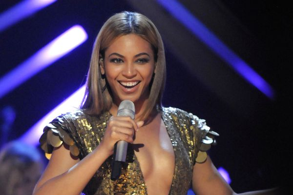 Beyoncé Picks Out Sparkly Rompers for Commonfolk