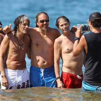 Steven Tyler, Joe Perry and Joey Kramer of Aerosmith spotted having a beach day in Maui, Hawaii. The Toxic Twins and Joey were all smiles as they spent the day paddleboarding with their spouses and girlfriends and others while enjoying the warm waters in front of the Four Seasons Maui. The band is in Maui taking a break before hitting the road on the next leg of their current world tour. <P> Pictured: Steven Tyler, Joey Kramer and Joe Perry <P> <B>Ref: SPL335537 151111 </B><BR/> Picture by: Derek Shook / Splash News<BR/> </P><P> <B>Splash News and Pictures</B><BR/> Los Angeles:310-821-2666<BR/> New York:212-619-2666<BR/> London:870-934-2666<BR/> photodesk@splashnews.com<BR/> </P>